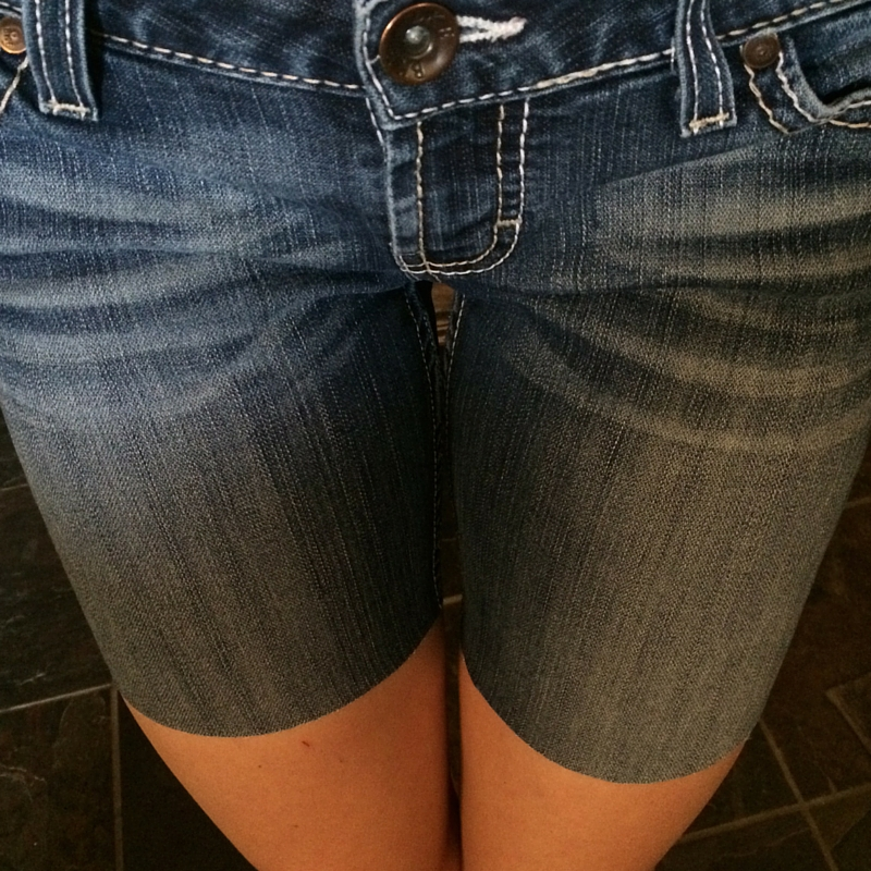 Making Cut Off Shorts: Tips for Making Perfect Cut Offs Every Time | A Domestic Wildflower click to read this helpful tutorial and don't end up with crooked or uneven shorts again!