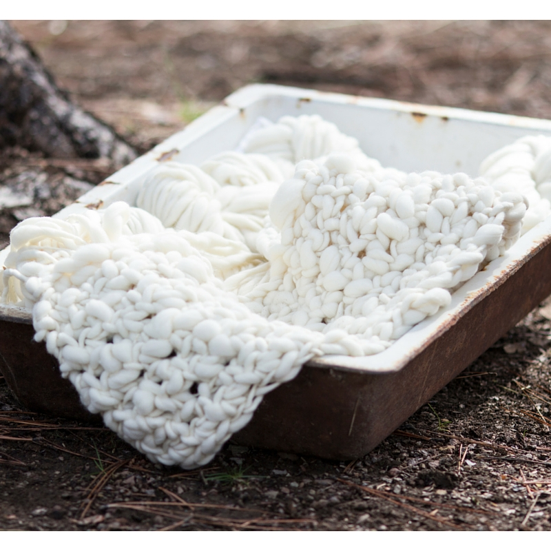 Learn how to crochet this beautiful thick and thin rustic throw blanket!